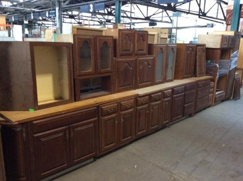REDUCED Kitchen Cabinet Set - 17 pc - Featured Inventory ...